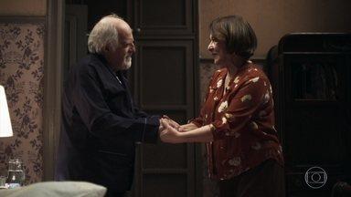 Evelina e Antero se declaram uma para o outro - Os dois trocam elogios