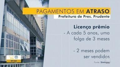 Servidores municipais questionam o não pagamento de venda de férias - Valor também é referente à licença prêmio.