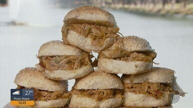 Fernando Kassab ensina como fazer sanduíches de pernil no quadro Prato Feito - Fernando Kassab ensina como fazer sanduíches de pernil no quadro Prato Feito