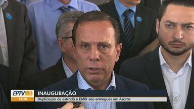 João Doria participa de inauguração de duplicação de estrada e creche em Araras - Governador do estado também falou como ficará a renovação das concessões de rodovias.