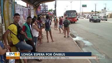Passageiros reclamam da falta de transporte coletivo nos fins de semana em São Luís - Além da espera longa, os usuários ainda são prejudicados com a falta de estrutura das paradas de ônibus.