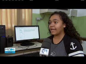 Tecnologia ajuda alunos a se preparam para o Enem - Computador virou parceiro dos estudos de muitos alunos da rede estadual.