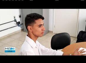 Adolescente vai representar Caratinga no Parlamento Jovem de Minas Gerais - Adolescente foi escolhido para representar a cidade na etapa Estadual do programa.