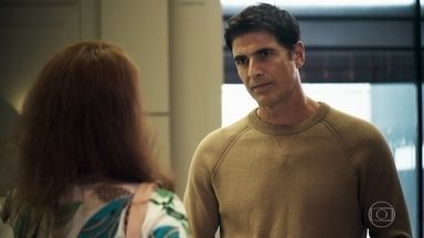 Régis se encontra com Roma - Playboy diz que está disposto a fazer o exame de DNA para saber se é pai de Arthur