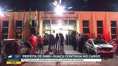 Prefeita de Embu-Guaçu continua no cargo - Vereadores decidiram na noite desta quarta-feira (11) que a chefe do executivo continuará no poder.