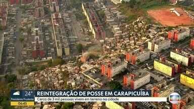 Reintegração de posse acontece na região de Carapicuíba - Cerca de três mil pessoas ocupam um terreno que pertence ã prefeitura de São Paulo e tem até hoje para sair do local