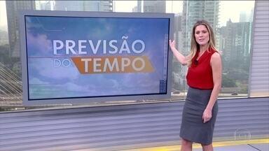 Chuva é prevista no Sul, no leste nordestino e no Norte do país - No Sul, o tempo fica fechado em parte do Rio Grande do Sul. No Sudeste, tanto em São Paulo quanto no Rio, o dia vai ser ensolarado, mas há chance de chuva por causa de uma nova frente fria. No leste nordestino pode chover fraco.