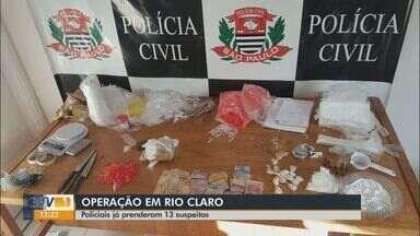 Polícia Civil de Rio Claro cumpre mandados de prisão temporária e de busca - Grupo era investigado há seis meses, período em que foram apreendidas drogas e pelo menos R$20 mil.