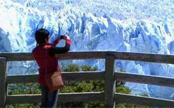 Os encantos da Patagônia - A palavra Patagônia significa pés grandes. Os índios qque habitavam a região no século XVI foram confundidos com gigantes. O lago argentino é do tamanho da cidade de São Paulo