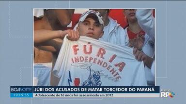 Júri dos acusados de matar torcedor do Paraná Clube já dura dois dias - O jovem de 16 anos foi assassinado em 2012.