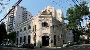 Teatro São Pedro é o segundo mais antigo da cidade de São Paulo - Com 102 anos, centro cultural na Barra Funda, foi inaugurado seis anos após o Teatro Municipal. Projeto leva artes dramáticas a estudantes da rede pública de Guarulhos.