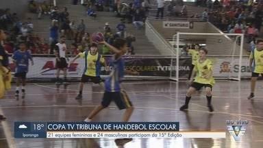 Equipes participam da 15ª Copa TV Tribuna de Handebol Escolar - Competição acontece no ginásio do Sesc, em Santos.