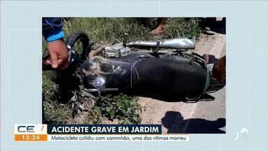 Uma pessoa morre em acidente entre moto e caminhão - Saiba mais em g1.com.br/ce