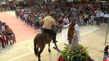 Missa do Vaqueiro é realizada há 17 anos no Maranhão - Evento religioso é realizado em Vitória do Mearim e mobiliza toda a região.