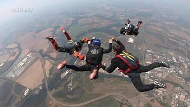 Veja a versão estendida do salto de paraquedas do Matheus Rocha no 'Desafio do Faustão' - Confira!