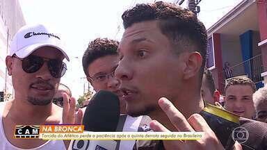 Torcida do Atlético-MG perde a paciência após quinta derrota seguida no Brasileirão - Torcida do Atlético-MG perde a paciência após quinta derrota seguida no Brasileirão