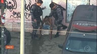 Tiroteio no Jacarezinho, no RJ, termina com quatro mortes - Outras duas pessoas ficaram feridas na troca de tiros. Dois suspeitos foram presos.