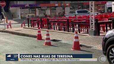 Prática de colocar cones nas ruas para impedir estacionamento é ilegal - Prática de colocar cones nas ruas para impedir estacionamento é ilegal