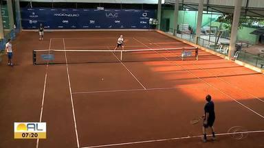 Mais de 400 atletas disputam competição de tênis em Maceió - Tenistas são de várias regiões do Brasil
