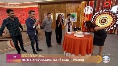 Programa de 17/09/2019 - No aniversário de Fátima Bernardes, muitas surpresas e emoção de sobra. A apresentadora recebe a atriz Mariana Santos e a música fica por conta de Michel Teló. Confira!