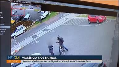 Assaltos em semáforos são frequentes na região do Bigorrilho, Campina do Siqueira e Batel - Os bandidos chegam em motos e roubam relógios de luxo.