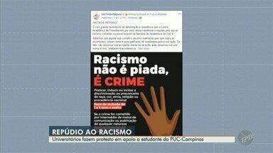 Universitários fazem protesto em apoio a estudante vítima de racismo na PUC-Campinas - Ocorrência de racismo teria ocorrido na última semana durante um evento cultural dentro da universidade.
