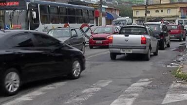 Trânsito na região do Mogi Moderno, em Mogi, tem mudanças - O motorista que vem sentido bairro-centro não vai mais poder acessar a Avenida Pedro Machado. Outra alteração é a implantação de mão única, sentido Avenida Brasil.