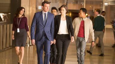 Piloto - Após o término do relacionamento, o agente do FBI Will Chase é escolhido para trabalhar com a agente da CIA Frankie Trowbridge. Juntos, eles lideram uma equipe de espiões.