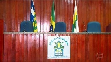 Candidaturas de laranjas devem levar à cassação da chapa, decide TSE - Dos 11 vereadores de Valença do Piauí, seis tiveram os mandatos cassados. Coligações usaram mulheres como laranjas para alcançar o mínimo de 30% de candidaturas femininas.