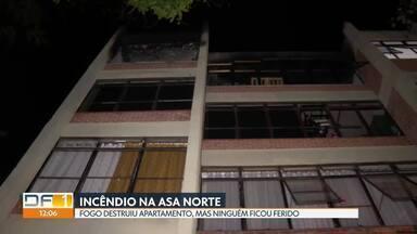 Fogo destruiu apartamento na 410 norte na quarta (18) à noite - Ninguém se feriu. Bombeiros levaram meia hora para apagar as chamas.