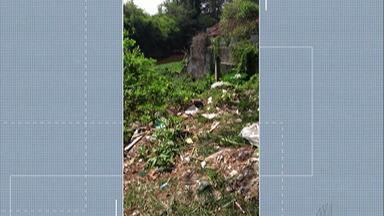 Rio Tietê sofre com descarte irregular de lixo - Moradora de Mogi das Cruzes flagrou vários detritos no trecho do rio na Rua Cabo Diogo Oliver.