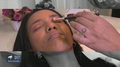No Espelho: veja dicas de maquiagem para não exagerar no visual - No Espelho: veja dicas de maquiagem para não exagerar no visual