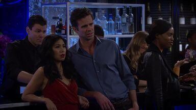 Cara pra Namorar - A primeira noite de Josh com Lily não sai como ele esperava. Andrew fica surpreso ao saber que Eve pretendia ficar apenas uma noite no 9JKL.