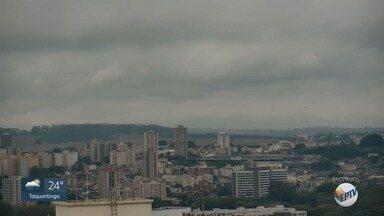 Confira a previsão do tempo para região de Ribeirão Preto nesta quinta-feira (26) - Termômetros não passam de 22°C.