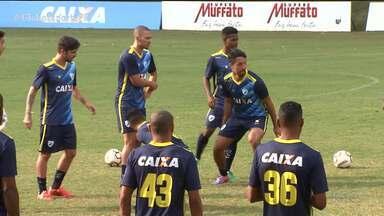Londrina continua reformulação do elenco em plena Série B - Tubarão vai apresentar mais três jogadores nesta quinta-feira (26)