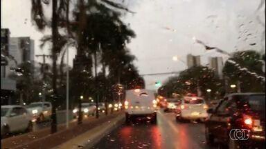 Após 131 dias, volta a chover em Goiânia - Previsão é que pancadas de chuva ocorram até sexta-feira (27).