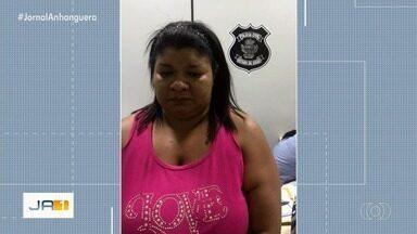 Mulher é presa suspeita de se passar por diarista para furtar apartamentos em Goiânia - Segundo a polícia, mulher enganava os porteiros e procurava imóveis que estivessem com portas abertas.