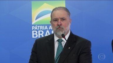 Augusto Aras toma posse como procurador-geral da República - Posse foi no dia seguinte à aprovação do nome dele no Senado. Nos discursos, Augusto Aras e o presidente Bolsonaro falaram em independência dos poderes.