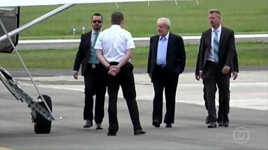 MPF pede que Lula passe a cumprir a pena em regime semiaberto - O ex-presidente Lula está preso desde abril de 2018 e já cumpriu um sexto da pena. Pela lei, está apto a progredir de regime.