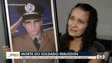 Mãe de PM que morreu durante o trabalho quer saber como o filho foi baleado - Soldado levou um tiro na cabeça, em Aparecida de Goiânia.