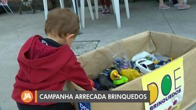 Prefeitura de Porto Alegre promove campanha para arrecadar brinquedos na Orla do Gasômetro - Além do posto de coleta na Orla, outros 60 locais da cidade recolhem os objetos.