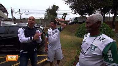 Fábio Júnior visita o CT do América-MG, reencontra amigos e lembra dos tempos de jogador - Fábio Júnior visita o CT do América-MG, reencontra amigos e lembra dos tempos de jogador