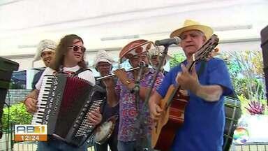 Ação social é realizada em Caruaru - Petrúcio Amorim participa do evento.