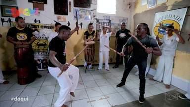 Daqui retrô: Dança do makulelê - Max Paviaani apresentou um grupo que explicou tudo sobre essa expressão cultural que atravessa séculos no Brasil.