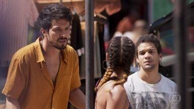 Stefany avisa a Marcos e Waguinho que Sinistro e Galo Cego foram assassinados - Waguinho diz para Marcos que não tem mais como ajudar a Paloma