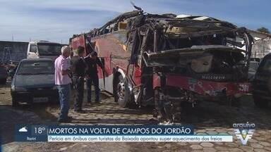 Perícia em ônibus que matou turistas na volta de Campos do Jordão esclarece falha técnica - Perícia apontou que ônibus teve superaquecimentos nos freios em acidente que matou 10 pessoas.