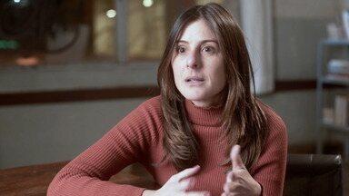 Joana Jabace, diretora artística de 'Segunda Chamada', apresenta nova série da Globo - Nova série tem estreia prevista para 8 de outubro