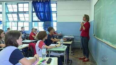 Governo do RS libera R$ 31 milhões para obras emergenciais nas escolas públicas - Instituições têm problemas elétricos e de infraestrutura.