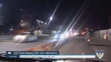 Renan Fiuza mostra as condições de tráfego na região - Vias registram movimento intenso no início da noite desta segunda-feira (30).