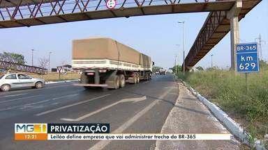 Leilão define empresa que vai administrar trecho da BR-365 - O Eco Rodovias vence leilão de concessão das rodovias BR-364 e BR-365. Empresa administrará por 30 anos, um trecho de 437 quilomêtros, que liga Uberlândia (MG) a Jataí (GO).